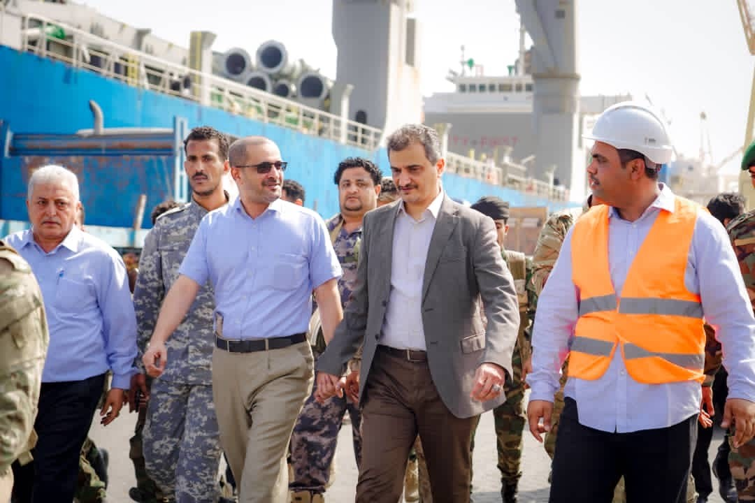 The Governor of Aden visits Ma'alla Wharves